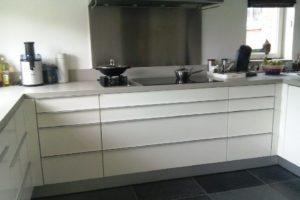 keuken voorzien van nieuwe deurtjes (6)