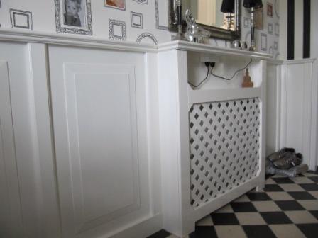 lambrisering met geintegreerde radiatorkast