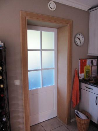 schuifdeur met deurlijsten afgewerkt