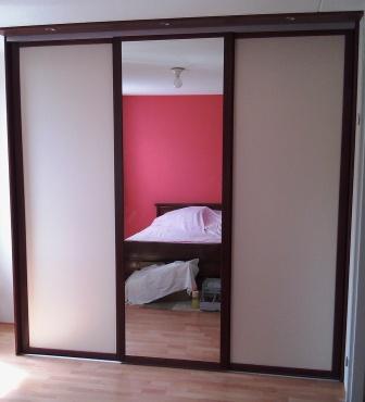 schuifdeuren met mahonie deurlijsten