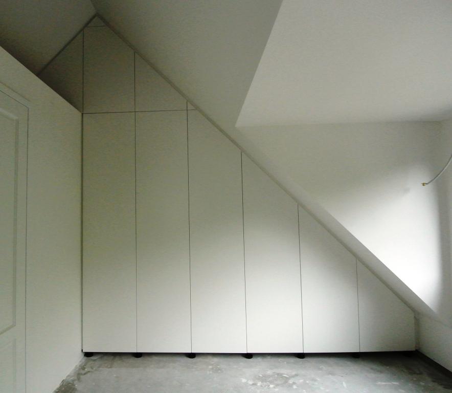 kastenwand onder schuindak (3)