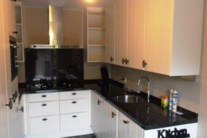 keuken-voorzien-van-nieuwe-deurtjes-2