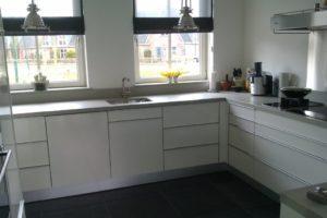 keuken voorzien van nieuwe deurtjes (5)