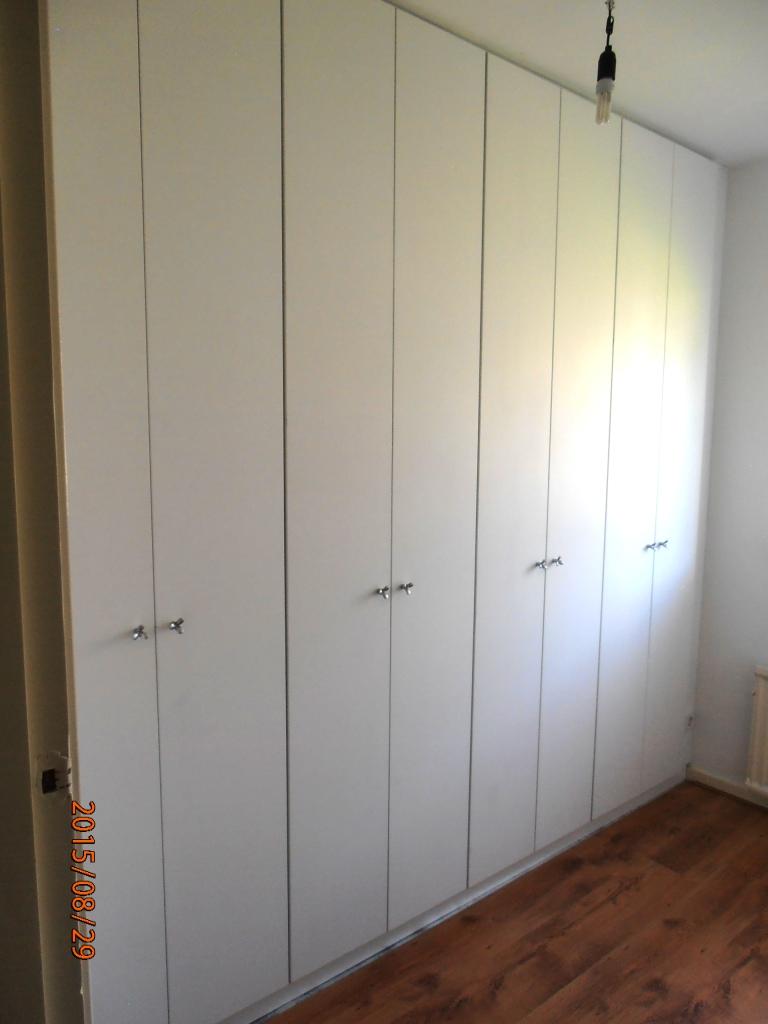 kledingkast-met-strakke-deuren-2