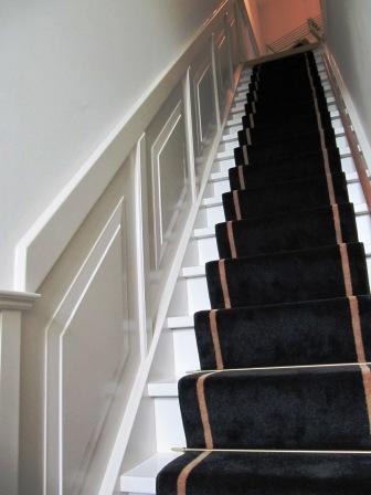 langs trap met opdekpanelen