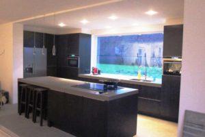 nieuwe keuken zwart gebeitst eiken