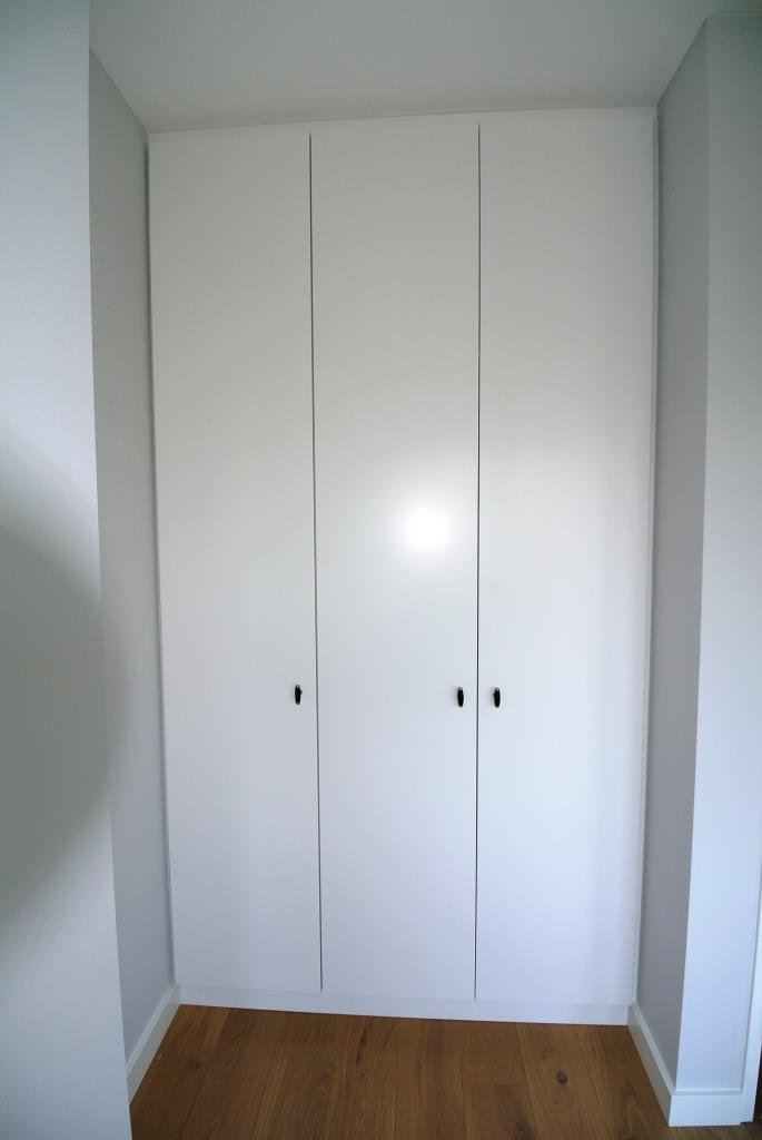 kledingkast met MDF deuren (2)